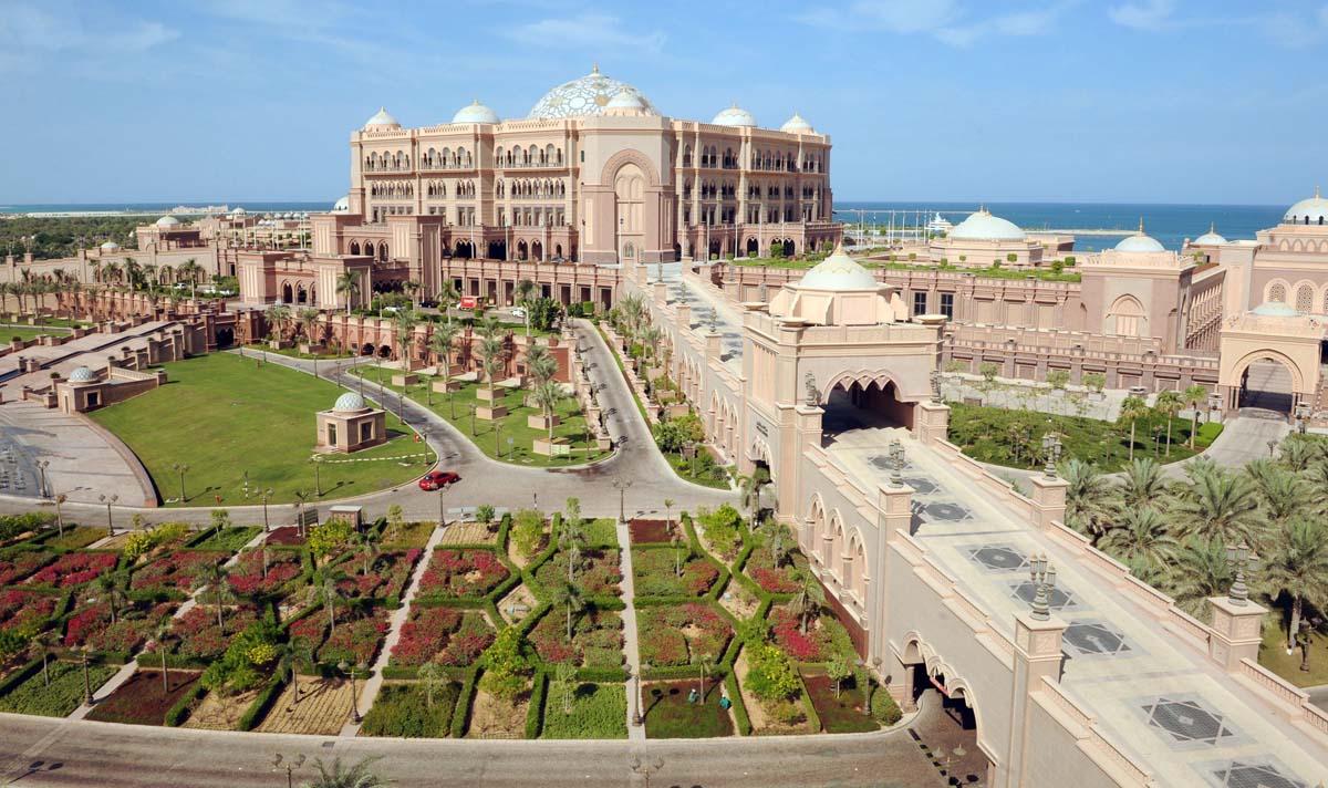 Imagen aérea del Hotel Emirates Palace, en el que estaría alojado el rey Juan Carlos / GTRES