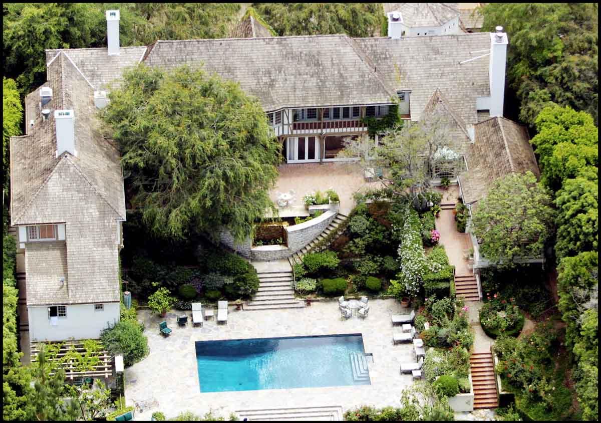 La casa que compartieron Jennifer Aniston y Brad Pitt durante su matrimonio ha sido vendida por 33 millones de dólares / GTRES