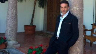 Enrique Ponce se ha puesto romántico en redes sociales/@enriqueponce