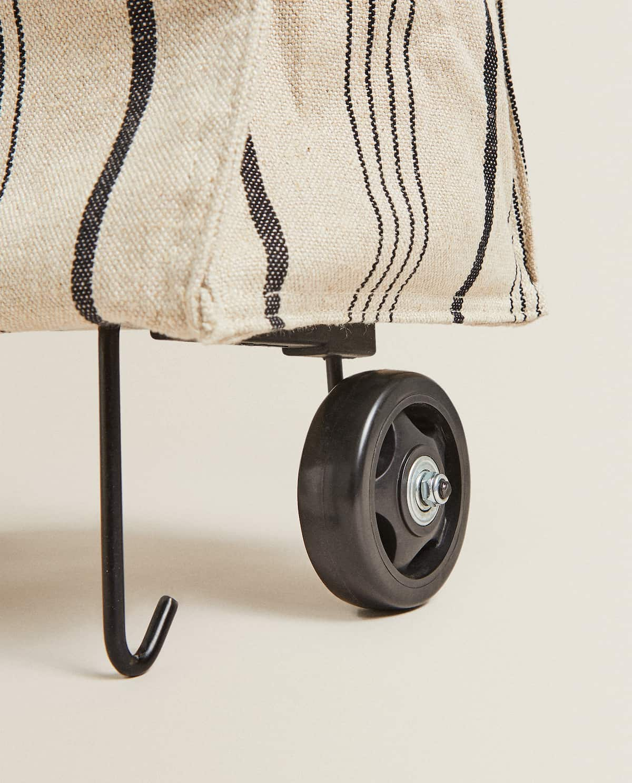 Zara Home: La bolsa que se convierte en carrito de la compra está batiendo récords de ventas