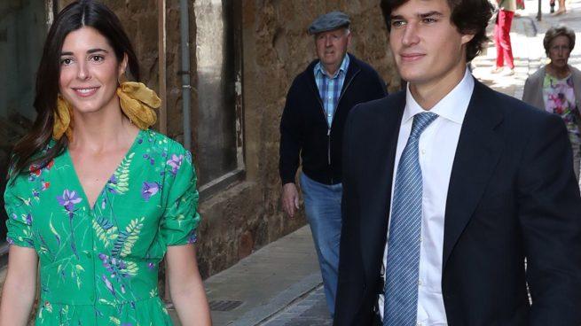 Carlos Fitz-James Stuart y Solís junto a su prometida, Belén Corsini, en una imagen de archivo / GTRES
