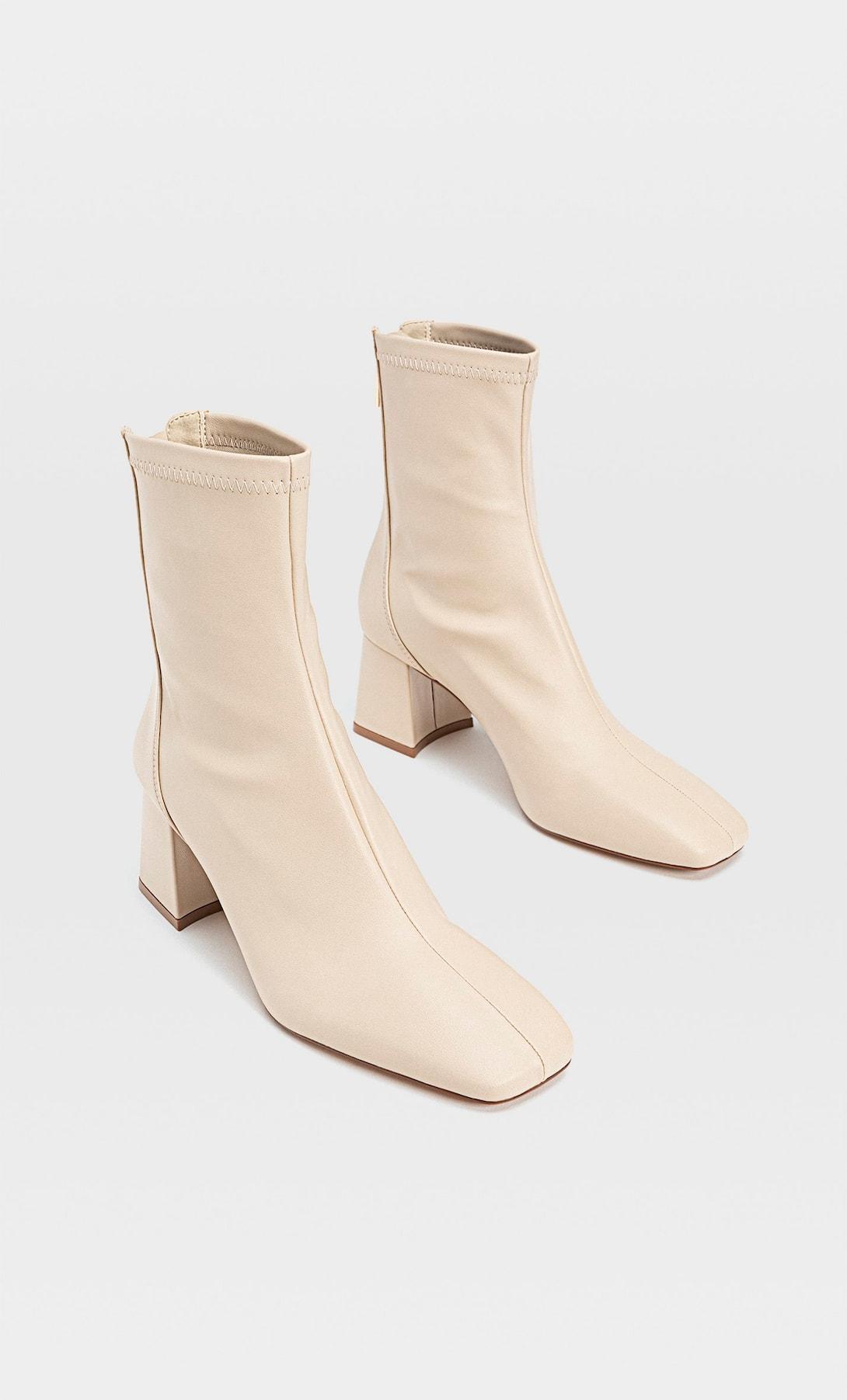 Stradivarius tiene los botines de tacón que parecen sacados de una pasarela