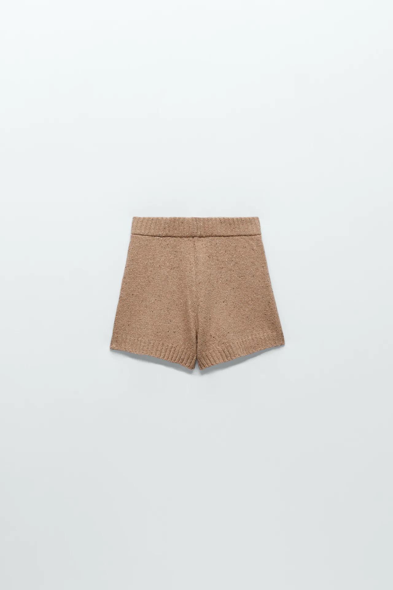 El conjunto de Zara de Amelia Bono ideal para volver a la rutina por menos de 30 euros