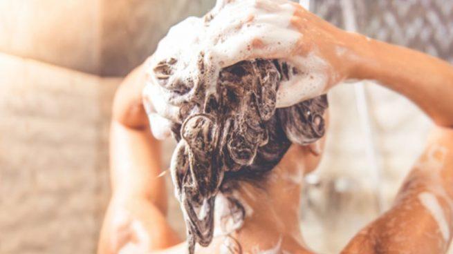 Los mejores consejos para lavarse el pelo y lucir una melena radiante