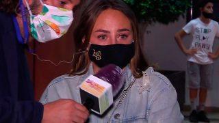 Rocío Flores, muy emocionada durante su intervención en 'Sálvame' / Telecinco