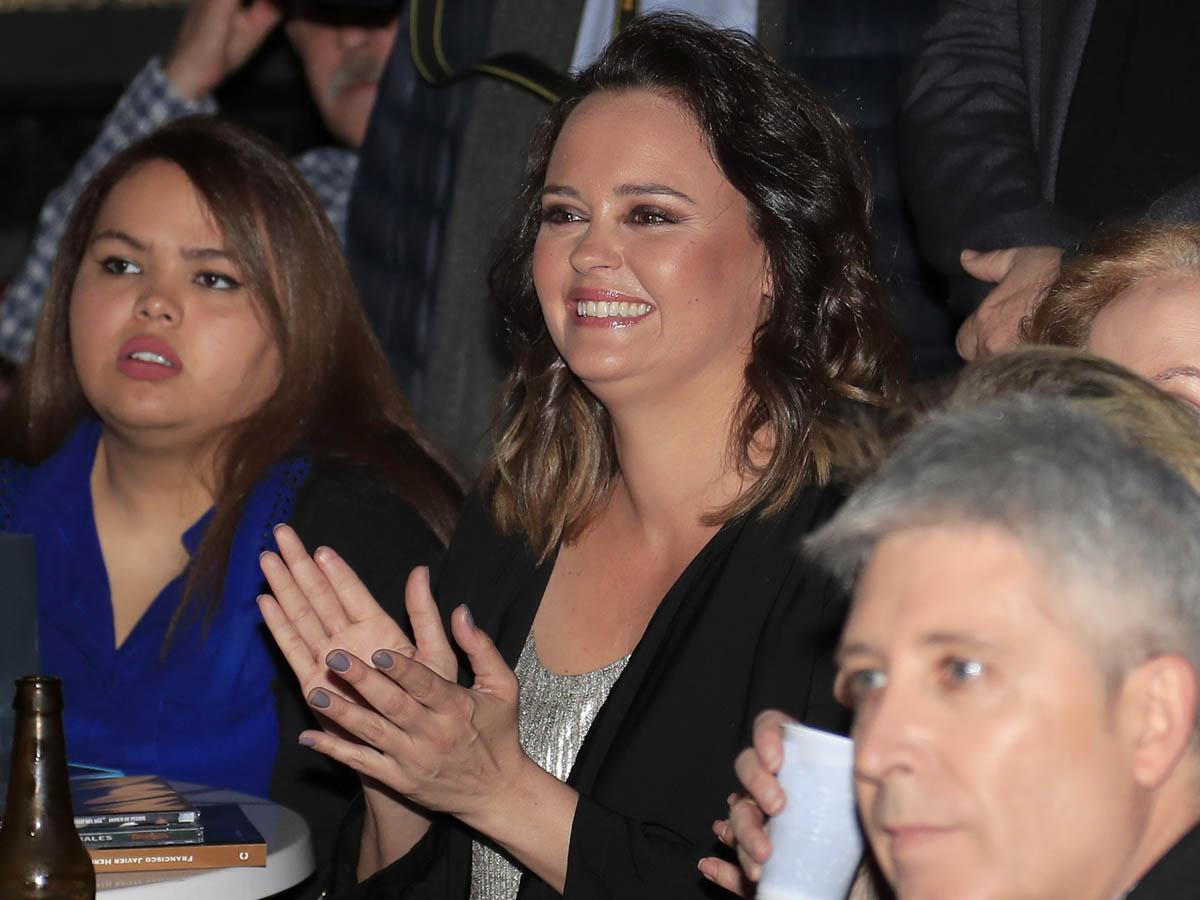 Shaila Dúrcal ya no oculta el dedo accidentado / GTRES