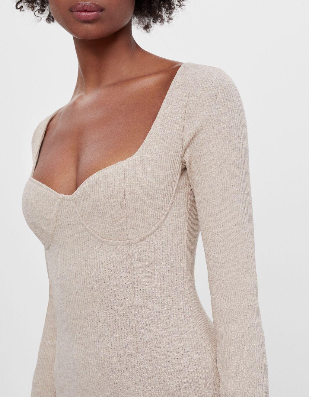 Bershka: Este es el vestido midi que hace tipazo y se vende por menos de 20 euros