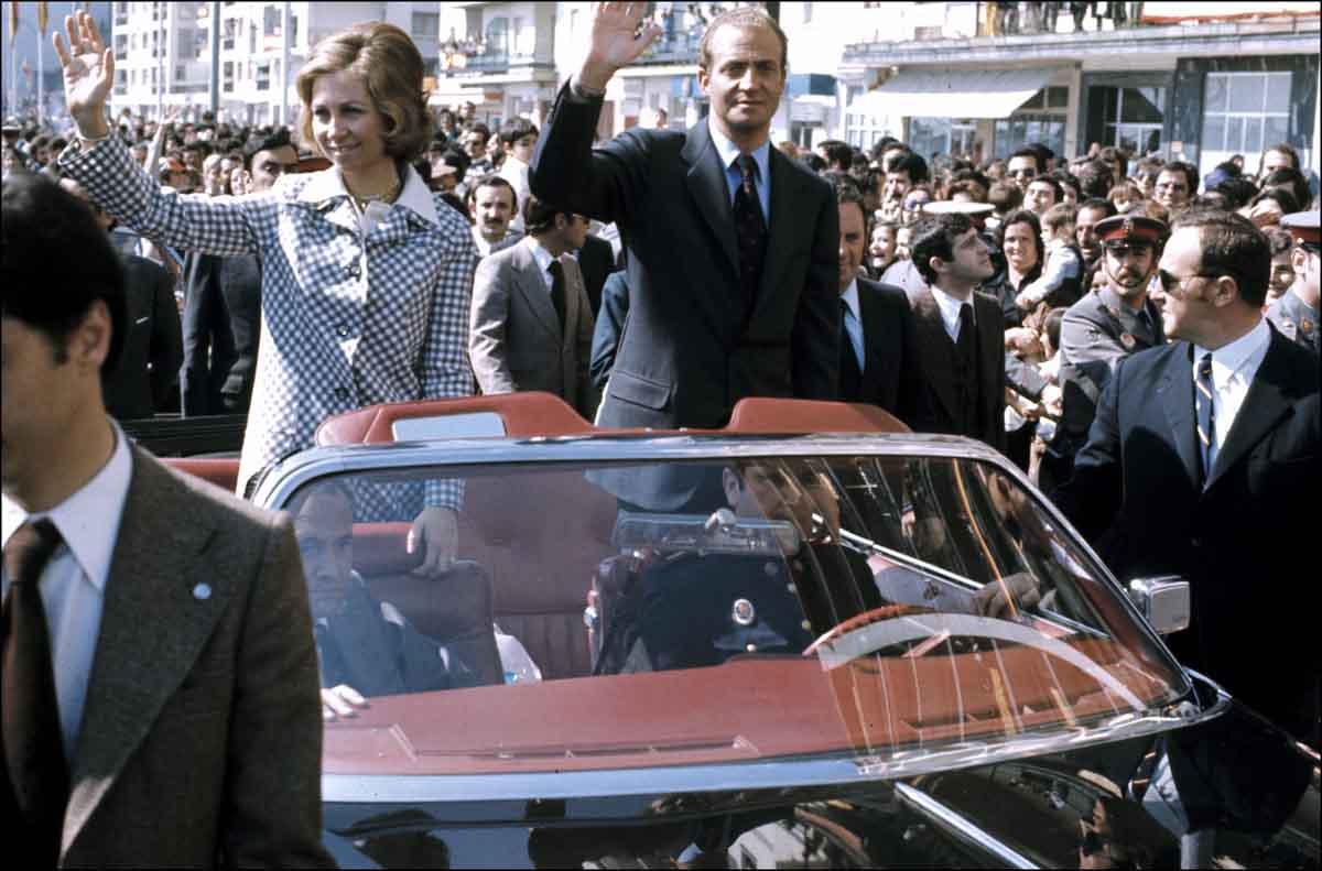 A pesar de lo que dicen algunas voces, la reina Sofía espera la vuelta de don Juan Carlos / GTRES