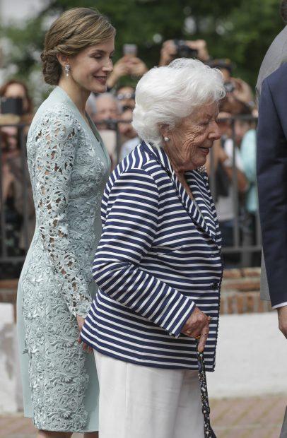 La reina Letizia y su abuela Menchu Álvarez/Gtres