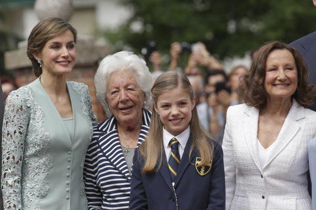 La reina Letizia, infanta Sofía, Paloma Rocasolano y Menchu Álvarez/Gtres