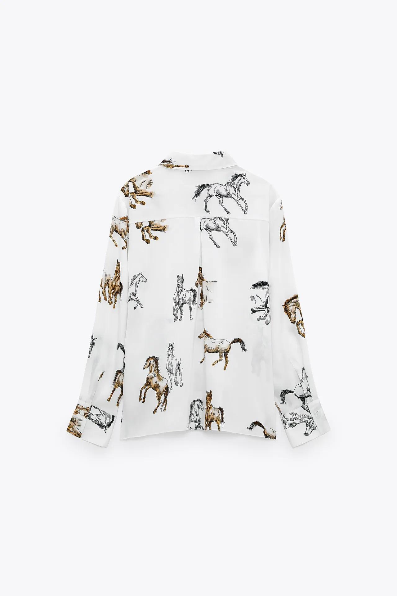 Zara se apunta al horse print, el estampado con caballos que triunfa en las pasarelas