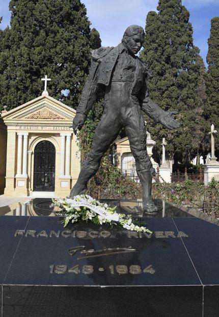 Tumba de Francisco Rivera, 'Paquirri' en el cementerio de San Fernando, Sevilla./Gtres