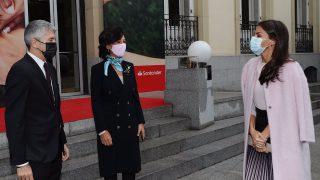 Doña Letizia a su llegada / Casa de S.M. el Rey