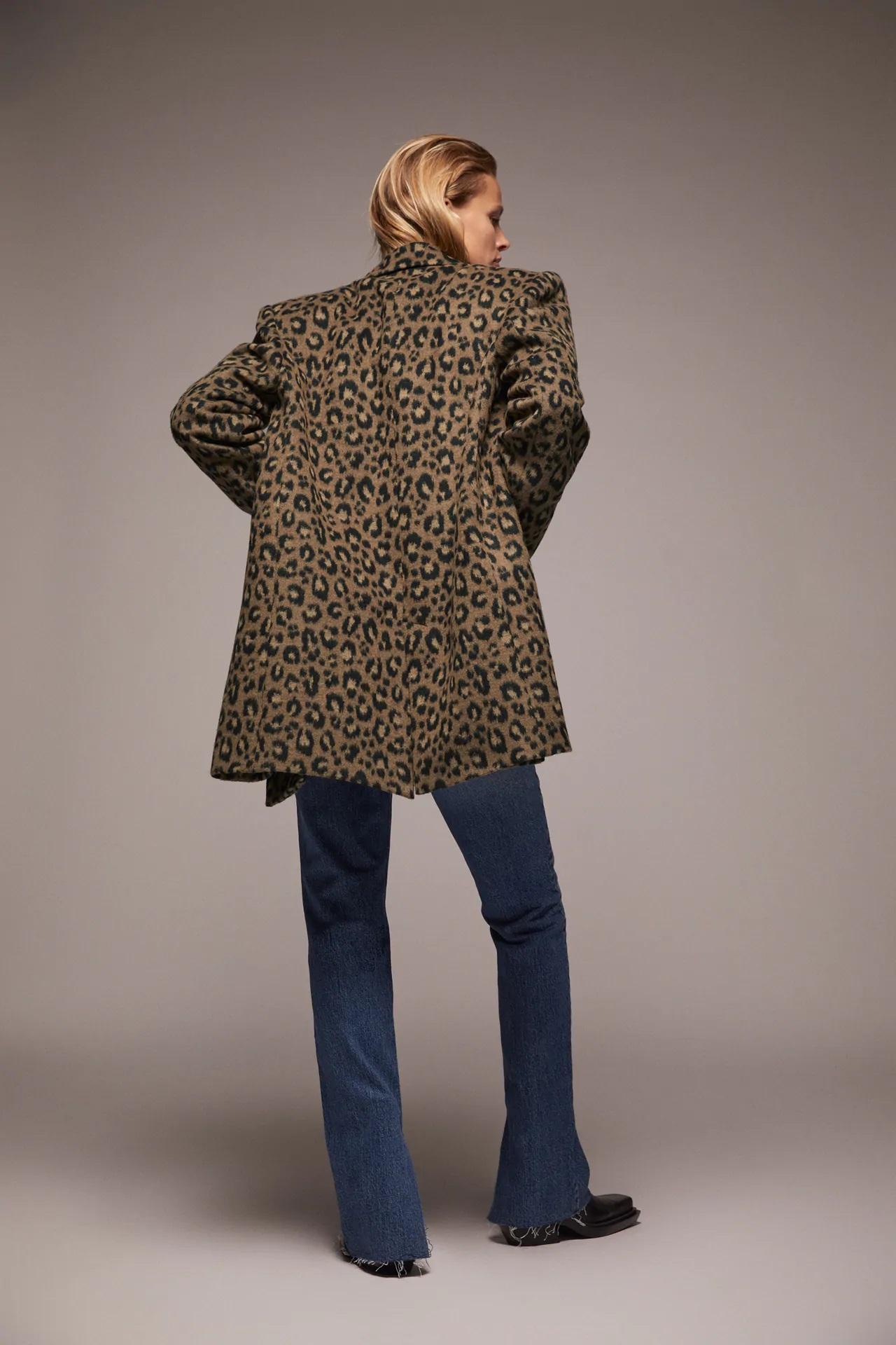 Zara: Este es el abrigo de animal print definitivo para este invierno