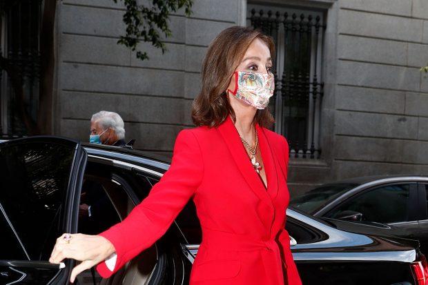 Etro firma la mascarilla que bien podría formar parte del vestidor de Letizia/Gtres