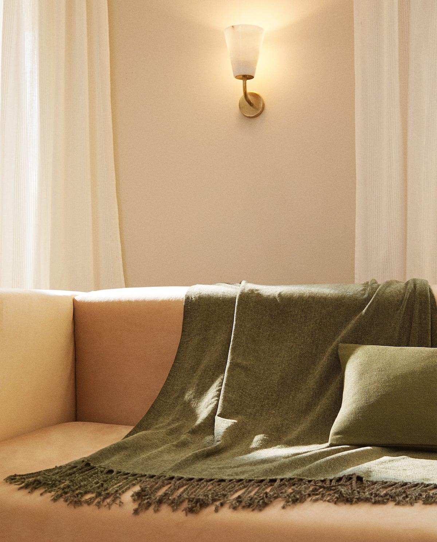 Zara Home: Estas son las mantas para una tarde de sofá y película perfecta