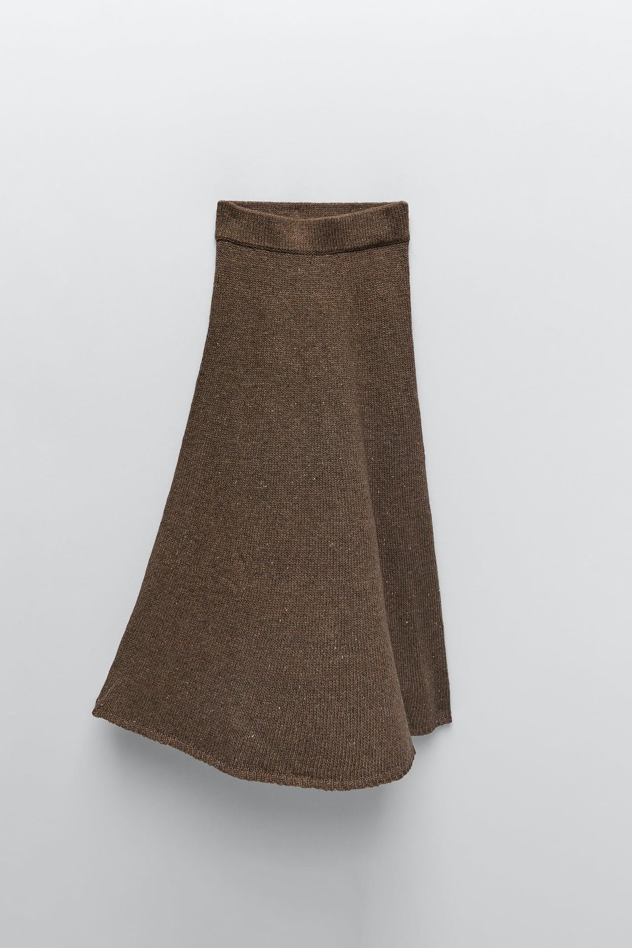 Zara: Sara Carbonero se apunta a la moda de los conjuntos de punto con este chaleco, falda y chaqueta