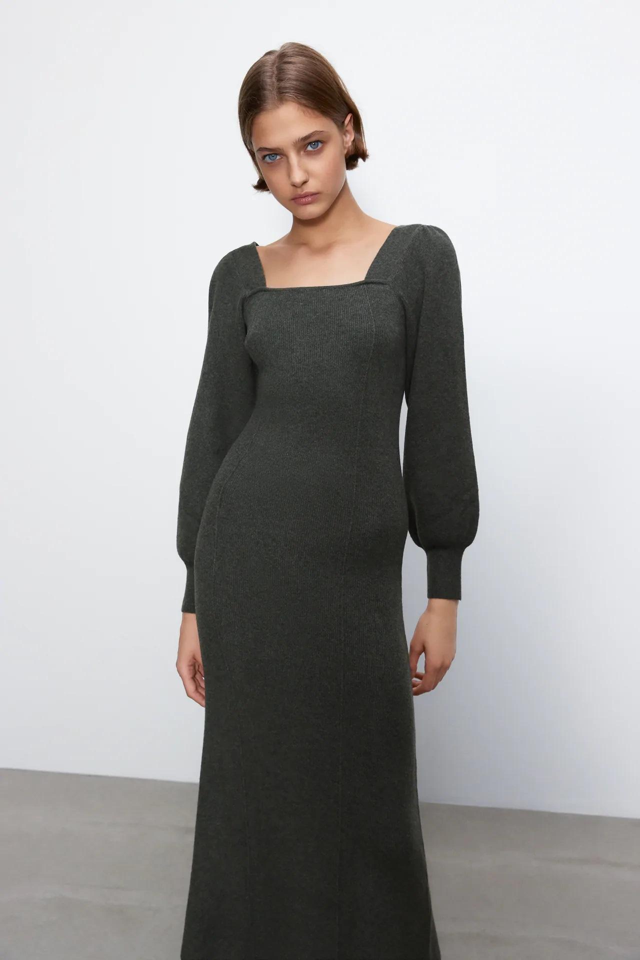 Este es el vestido de punto que queda mejor a Sara Carbonero que a la modelo de Zara