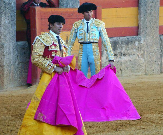 Francisco y Cayetano Rivera, dos toreros a los que se les ha negado ejercer su profesión utilizando los trajes y los trastos que su padres les dejó en herencia/Gtresr