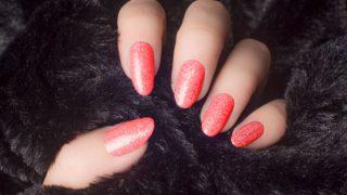 Los mejores colores y diseños para las uñas de invierno