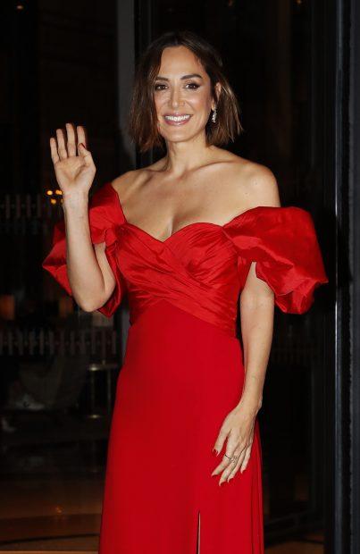 La marquesa de Griñón luciendo un vestido rojo de Pronovias./Gtres