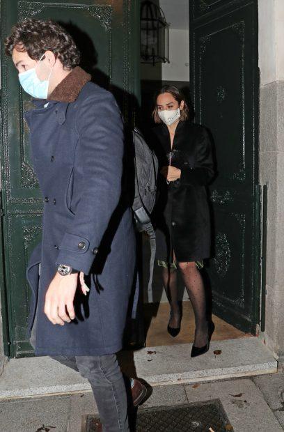 Tamara Falcó e Íñigo Onieva por las calles de Madrid./Gtres