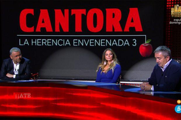 Sylvia Pantoja, Jorge Javier Vázquez y Antonio Escámez en el especial 'Cantora: la herencia envenenada 3'./Telecinco