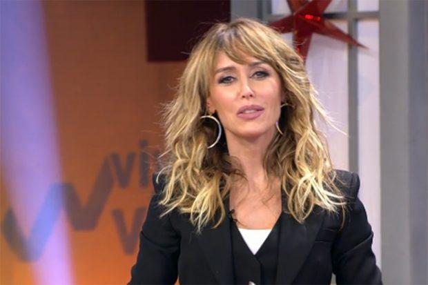 Emma García muy emocionada en su regreso al trabajo./Telecinco