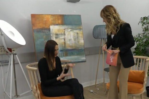 Irene Rosales junto a Emma García en 'Viva la vida'./Telecinco