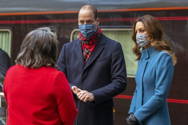 Los duques de Cambridge suben por primera vez en el Rotal Train./Gtres