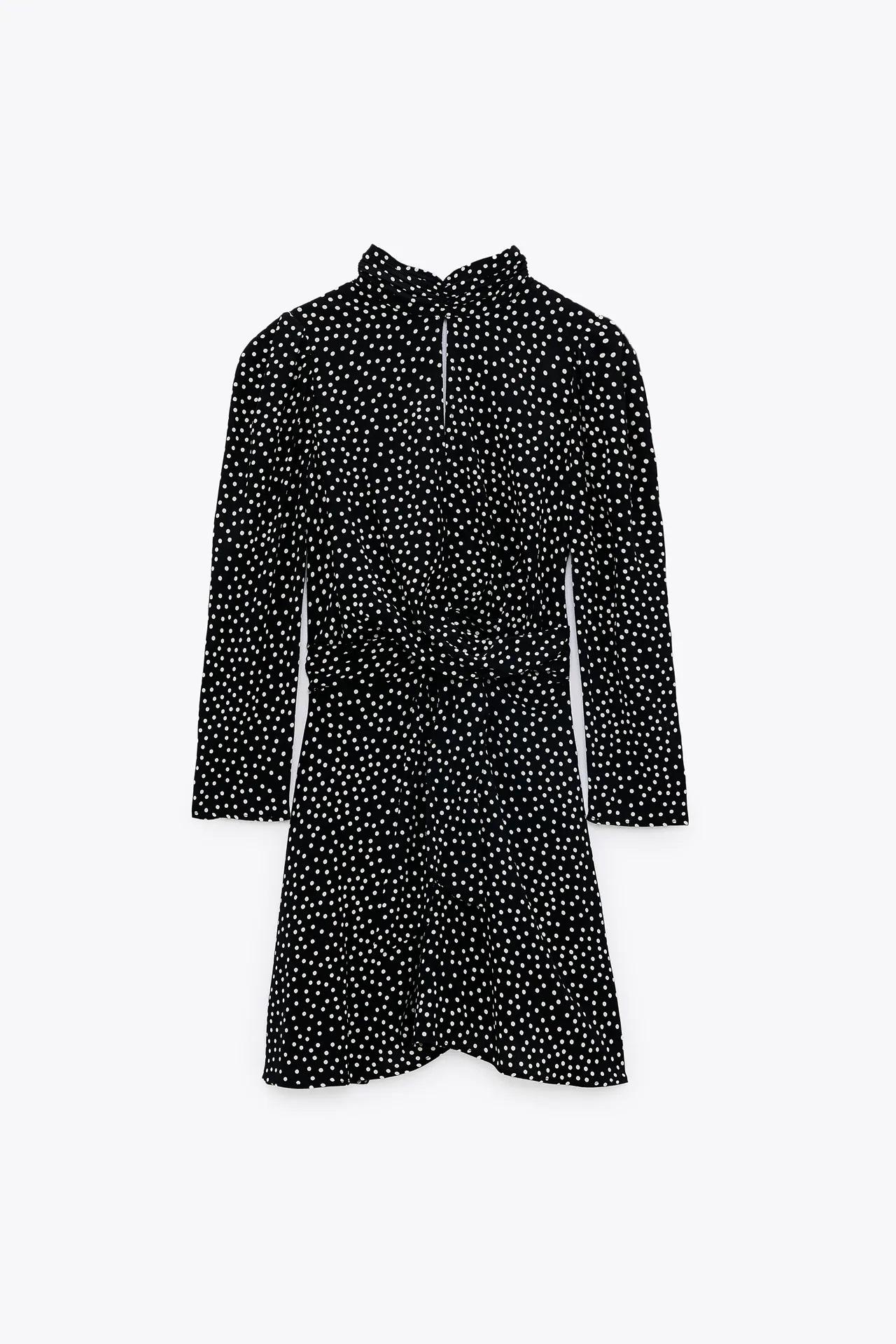 El estilo de la Infanta Sofía vuelve a destacar con un vestido de lunares de Zara