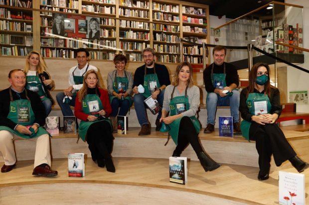 Sandra Barneda ha ejercido de librera junto a otros compañeros de profesión como Máximo Huerta, Mónica Carrillo o Sonsoles Ónega/Gtres