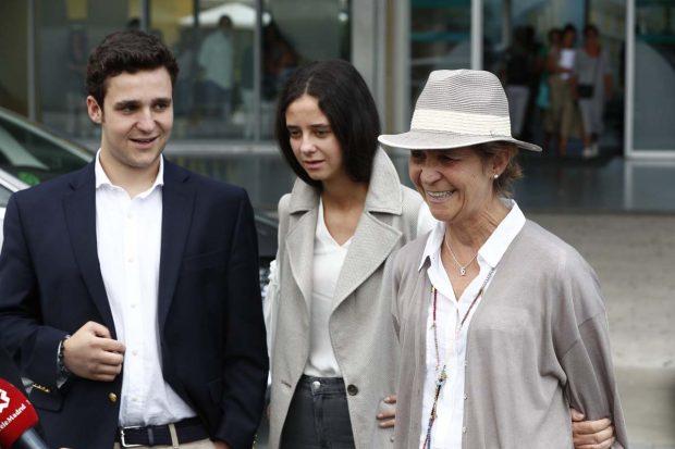La regularización fiscal de don Juan Carlos se ha unido al 'caso de las tarjetas opacas' de las que se habrían beneficiado, entre otros, la Infanta Elena y sus hijos/Gtres