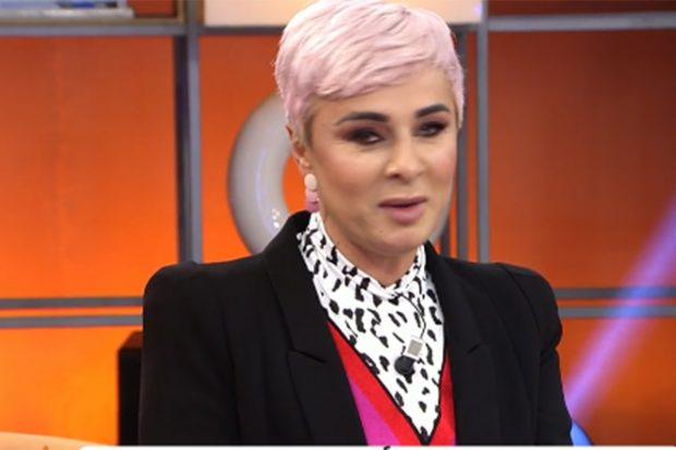 Ana María Aldón reaparece en 'Viva la vida' con un llamativo cambio de look./'Viva la vida'