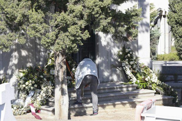 Tumba donde descansan los restos mortales de doña Pilar./Gtres