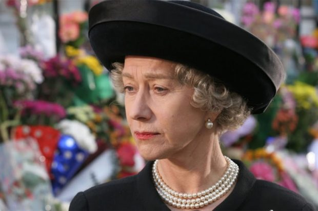 Hellen Mirren interpretando a la reina Isabel II/ 'The Queen'