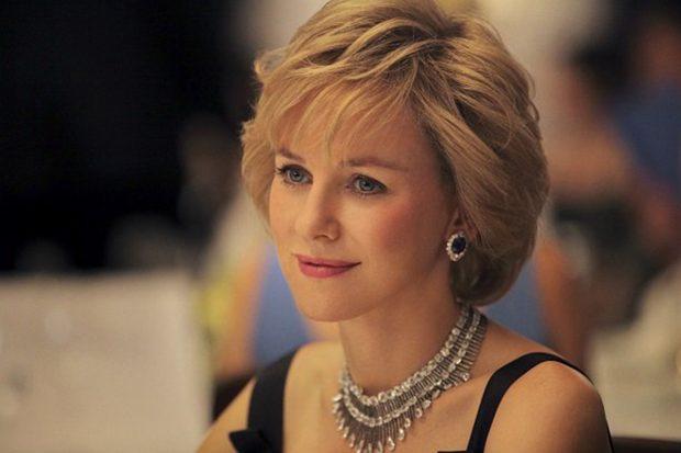 Naomi Watts caracterizada de Lady Di./'Diana: el secreto de una princesa'