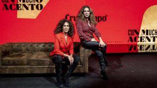 Lolita y Rosario Flores durante la presentación del anuncio de Cruzcampo 'Con mucho acento' / Gtres