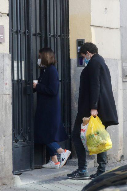 Tamara Falcó e Íñigo Onieva juntos por las calles de Madrid./Gtres