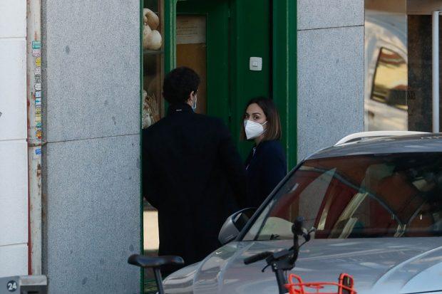 Tamara Falcó e Íñigo Onieva haciendo la compra./Gtres