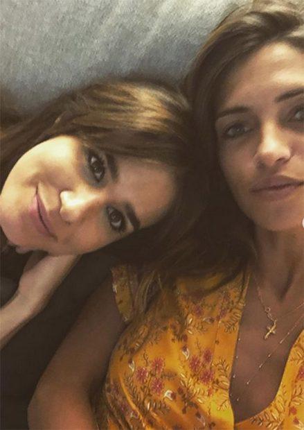 Isabel Jiménez junto a Sara Carbonero./Instagram @saracarbonero