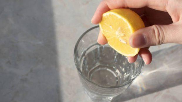 agua y limón