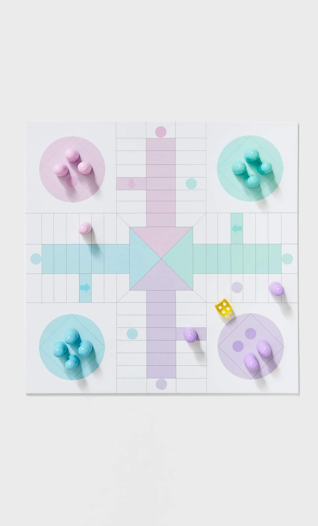 Descubre Gambito de Dama con el juego de ajedrez de Stradivarius