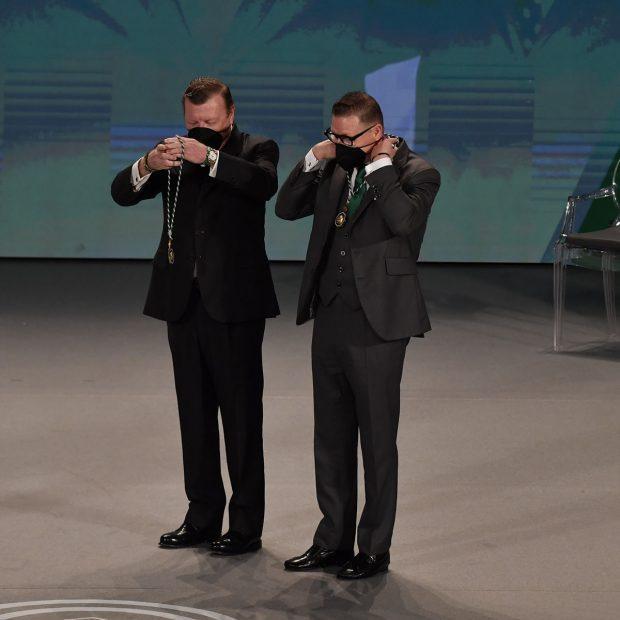César y Jorge Cadaval, han recibido la Medalla de Andalucía dedicada a las Arte./Gtres