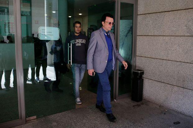 José Fernando y Ortega Cano, saliendo del centro donde permanece ingresado / Gtres