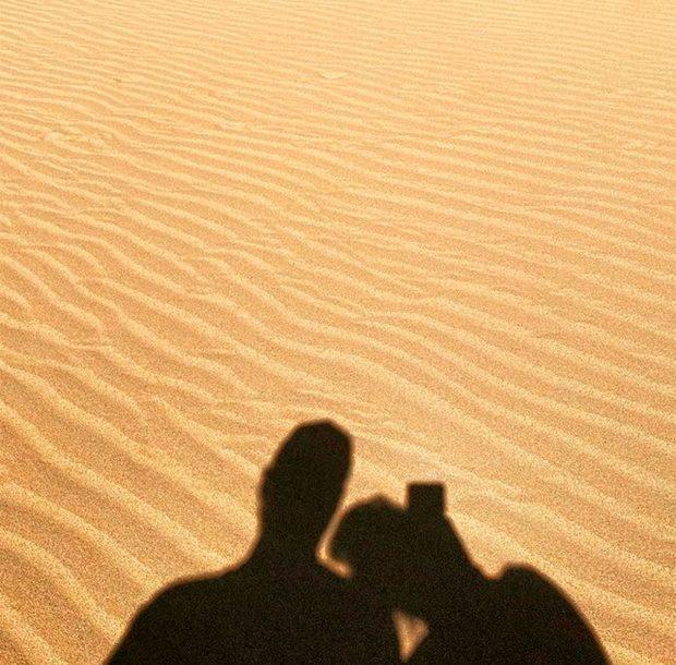 Nuria Roca y Juan del Val estuvieron paseando por las dunas canarias / Instagram : @nuriarocagranell