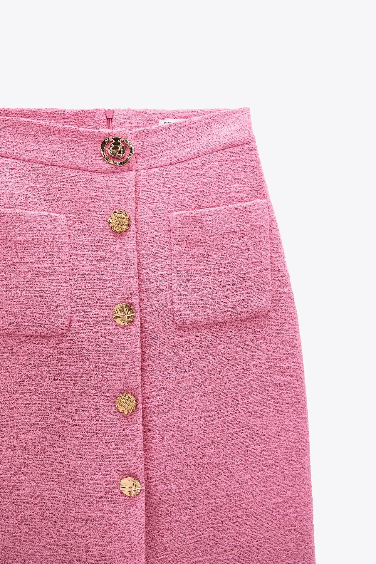 Zara tiene una versión más femenina y barata del traje rosa de Letizia