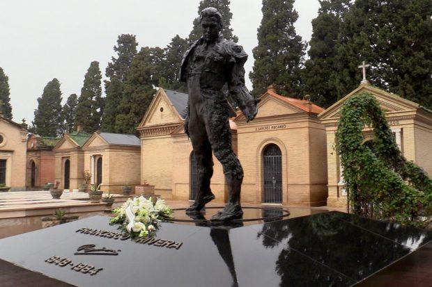 Isabel Pantoja ha mandado un ramo de flores a la tumba de quien fuera su esposo / Gtres