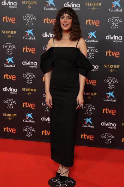 Belén Cuesta ha lucido un vestido negro en los premios Goya 2021./Gtres