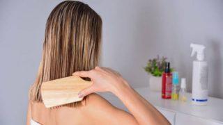 De qué manera puedes usar el cepillo de pelo de madera de forma correcta.